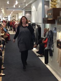 Sabine Steinhardt präsentiert Mode von ADIA