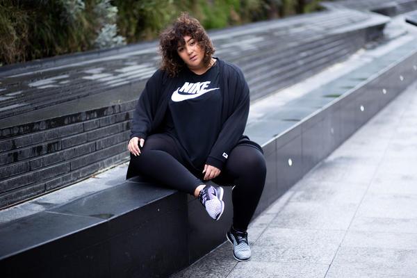 (c) Nike
