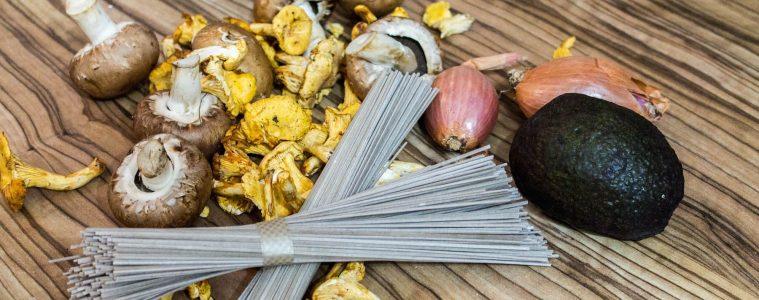 Eierschwammerl & Steinpilze mit Avocado à la Asia Style Zutaten