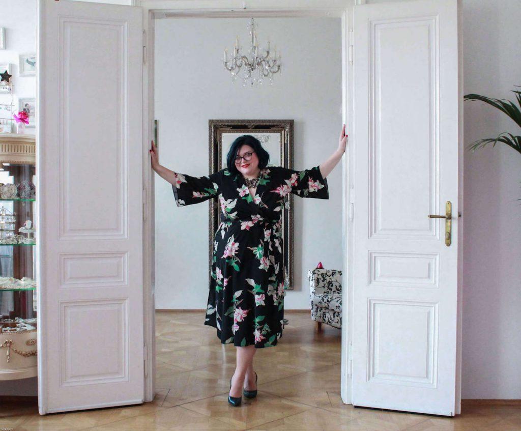 VomGlückmanselbstzusein_Kleidstehend